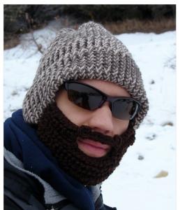 muetze mit bart 258x300 Wenns in Deutschland weiter kalt bleibt   Mütze mit Bart