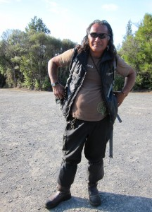 guide bill 216x300 Die mächtigen Kauri Bäume im Waipoua Wald